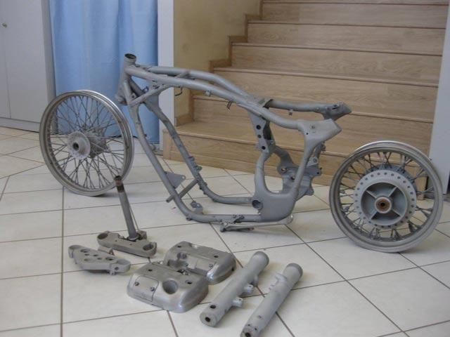 Sandblasting a bike frame